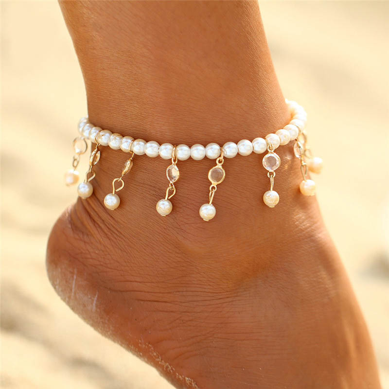 7895c793f Trendový náramok na nohu s umelými perlami | TrendyVeci