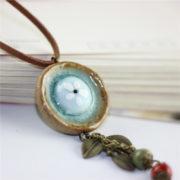 Trendový vintage náhrdelník s veľkým kruhom a ozdobami-1