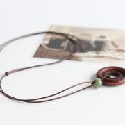 Trendový vintage náhrdelník s veľkými kruhmi a korálkou-1